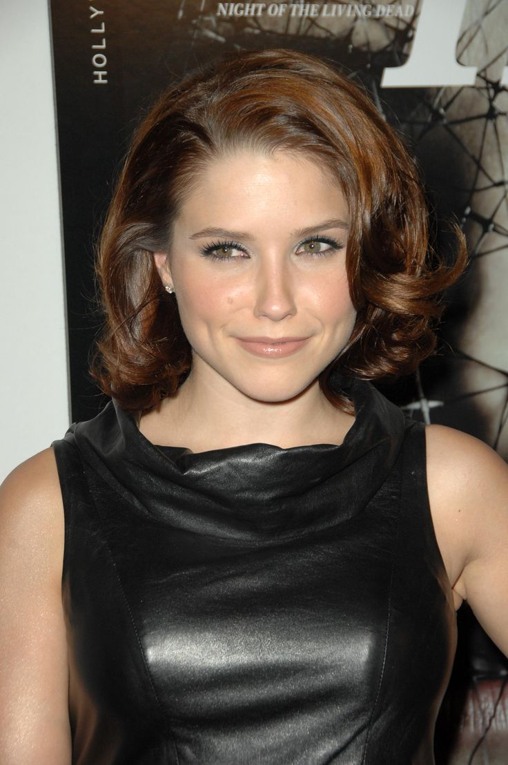 aAfkjfp01fo1i-28792/loc706/03476_celeb-city.org_Sophia_Bush_5th_Annual_Hollywood_Style_Awards_12.10.2008_05_122_706lo.jpg
