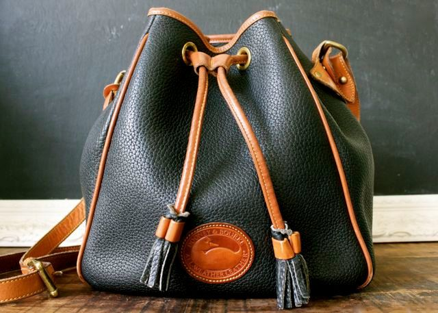 Vintage Dooney And Bourke Navy Leather Drawstring Bucket Handbag Purse All Weather