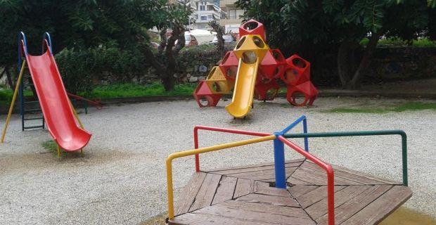 XIOS_VITRINE: Μαζικά λουκέτα στις παιδικές χαρές από δημάρχους –...