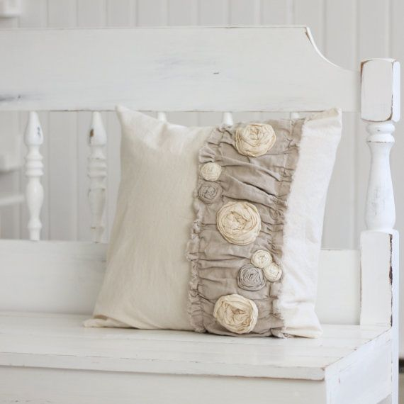 In love with burlap, roses and whites...