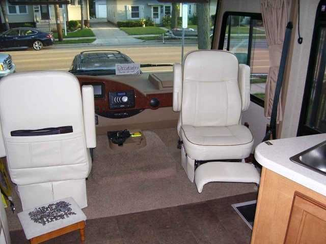 2014 Used Winnebago Vista 35B Class A in Wisconsin WI.Recreational Vehicle, rv, 2014 Winnebago Vista 35B, 2014 Winnebago Vista RV 36ft. Bunk Model sleeps 10, 5500 Generator, Master bath with large shower, second 1/2 bath. Inside has 46 inch TV with CD/DVD player. Outside has 32 Inch TV with radio & CD/DVD Player Fresh Water 96 Gray Water 98 (2) Black Water (2) 41 gallon 3 Slide outs 11,000 miles non smokers no pets Clean In great condition. Please Contact Bill $102,200.00