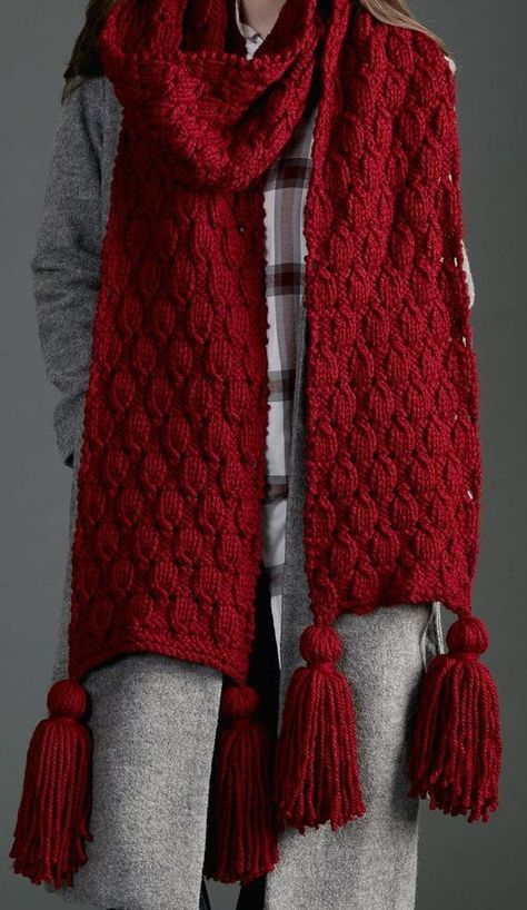 Free Knitting Pattern for Easy Make It Big Super Scarf - This oversized scarf from Bernat knits up quickly in chunky yarn and is rated easy by the designer.
