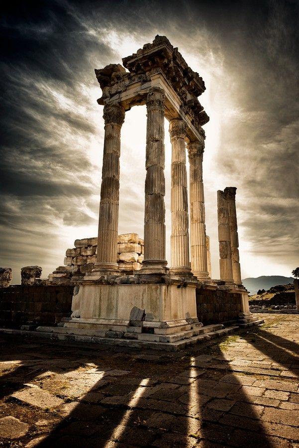 Akropol... by Halit DOKUZOĞUZ on 500px