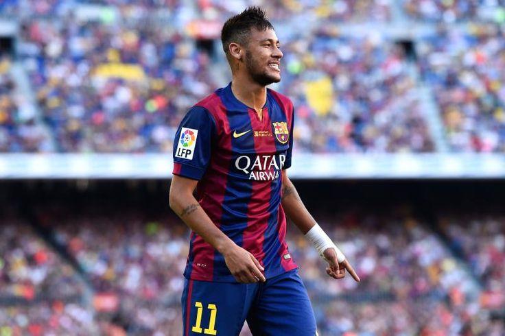 バルセロナ、スペイン -  9月27日:FCバルセロナのNeymarは、バルセロナ、スペインで2014年9月27日にキャンプノウでFCバルセロナとグラナダCFの間のラリガ試合中に見えます。 (David Ramos / Getty Imagesによる写真)