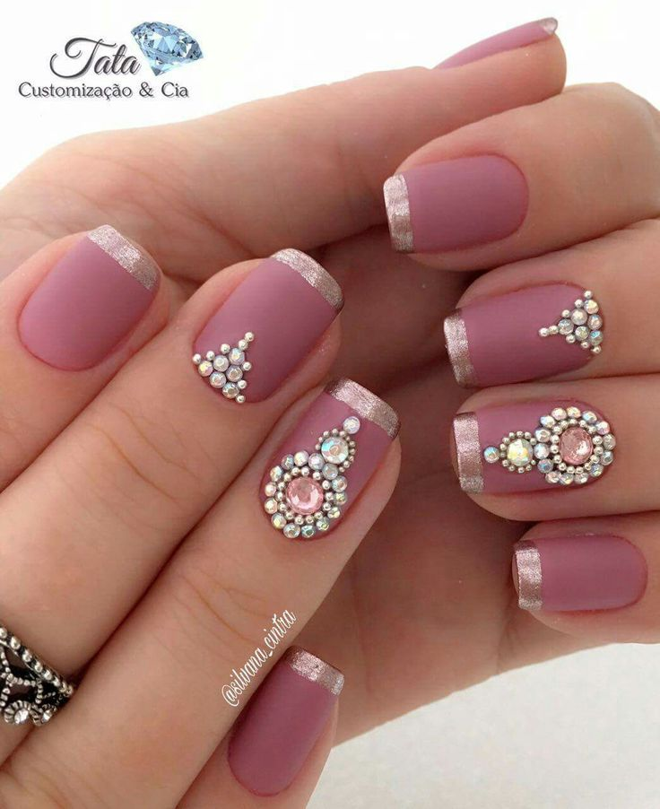 The jewel work on these nails is very indian feel.