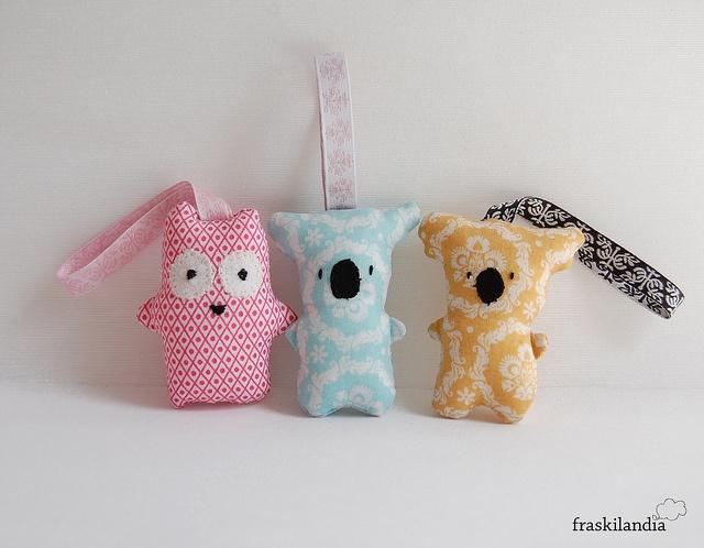 koala y buho llaveros    mini mini fraskilitos    muñecos de tela de fraskilandia www.fraskilandia.com