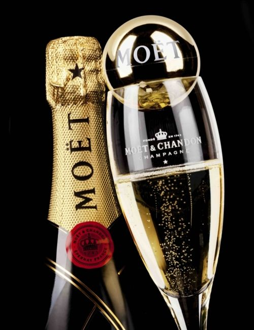moet champagne. One of my all time fave!!!!!