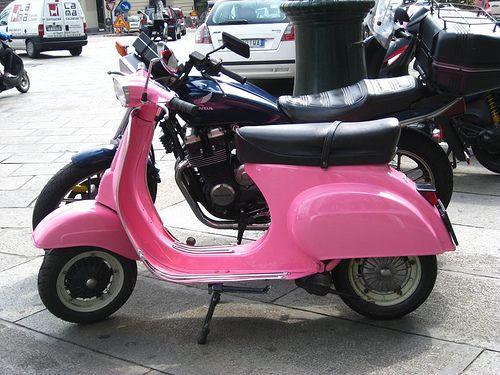 best 25 pink vespa ideas on pinterest vespa vintage and mopeds. Black Bedroom Furniture Sets. Home Design Ideas