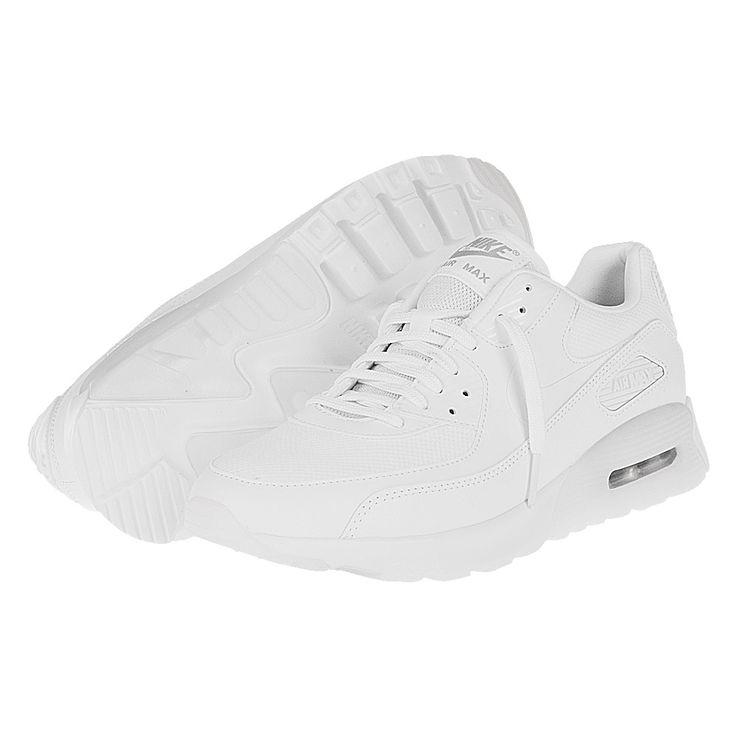 Tênis Nike Air Max 90 Ultra Essential Feminino- Experimente o verdadeiro conforto aos pés- Estilo clássico Air Max 90- Entressola com tecnologia Air e sulcos que garantem a liberdade aos movimentos- Swoosh lateral: Seu destaque em qualquer situaçãoInovação é um dos sinônimos que a Nike reúne desde que começou a fabricar calçados. Em 1987 quando o Air Max 1 foi lançado, esse sinônimo ficou claro para todos, isso porque ao expor sua capsula de ar no calcanhar, aquilo que para muitos era…