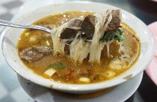 Sop Saudara Jalan Irian, Makanan Enak Di Makassar http://anekatempatkuliner.blogspot.co.id/2016/12/makanan-enak-di-makassar-yang-wajib.html