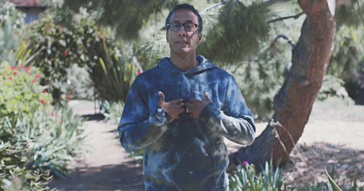 Watch 'The Wire' Actor Andre Royo Read Nick Cave's Short Story http://www.rollingstone.com/music/news/watch-the-wire-actor-andre-royo-read-nick-cave-short-story-w453062?utm_source=rss&utm_medium=Sendible&utm_campaign=RSS