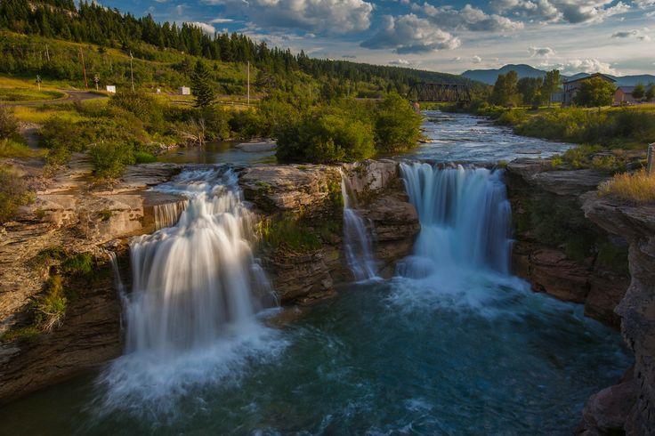 The beautiful Lundbreck Falls in Pincher Creek, Alberta #travel #photography #ExploreAlberta