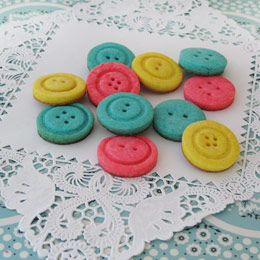 Button cookies to take to a guild meeting or quilting class.