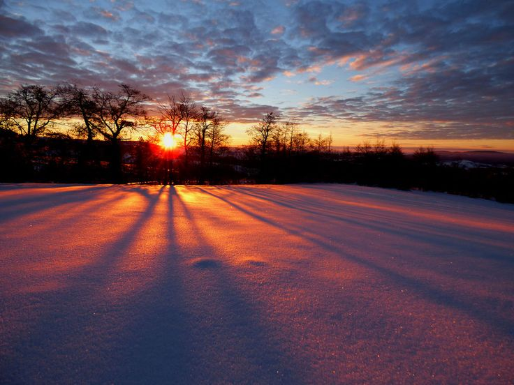 Winter officially kicks off Wednesday (Dec. 21), which marks the December solstice — the day with the fewest hours of sunlight of 2016. Here's why.