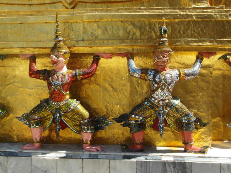 The South East Asia cruise is one of the world's best cruises and Oceania Cruises, Silversea Cruises and Azamara Cruises offer the best itineraries! http://www.bonvoyageurs.com/2015/09/16/south-east-asia-cruise/