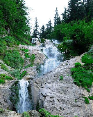 EconBooking.com: Cascada Cailor  Borsa Maramures