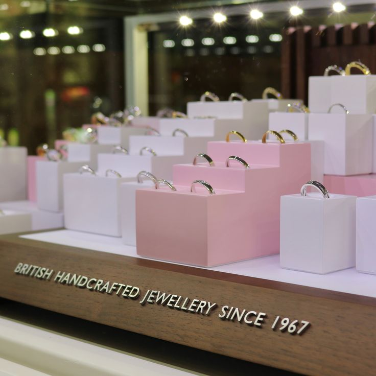 We have 20% discount on all Brown & Newirth wedding rings until the end of November!!