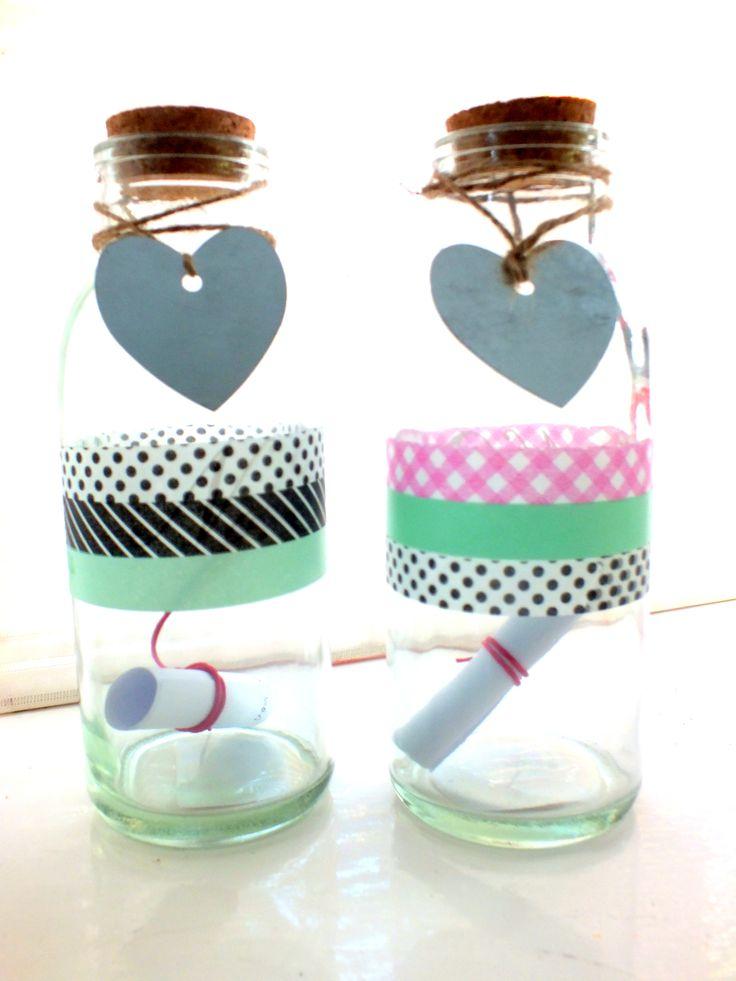 #flessenpost . jufkado. Flesje versieren met #maskingtape met een mooie persoonlijke boodschap erin .  #messageinabottle