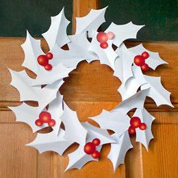 Mickey Paper Wreath | Printables | Disney Family.com