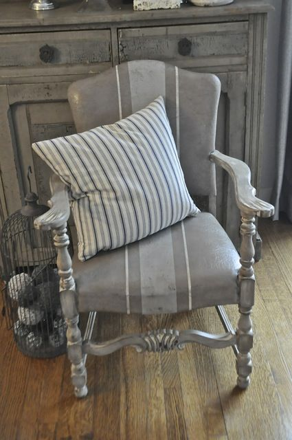 Amazing painted Chair painted w Annie Sloan Chalk Paints | Pleasant Pickin's