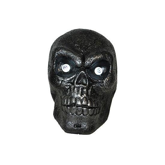 Doodskop met licht en geluid. Zwarte schedel met lichtgevende ogen en een sensor voor geluid. De schedel is ongeveer 30 cm groot. Excl. 3x AA batterijen. Materiaal: plastic.