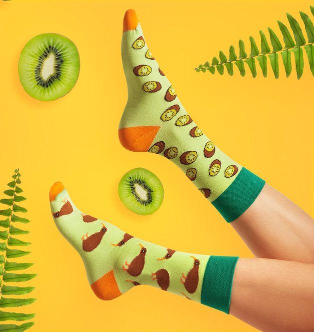 Gute-Laune-Socken mit Kiwis, Strümpfe, Sommer Accessoire / good mood summer socks with kiwi fruits made by Spox Sox via DaWanda.com