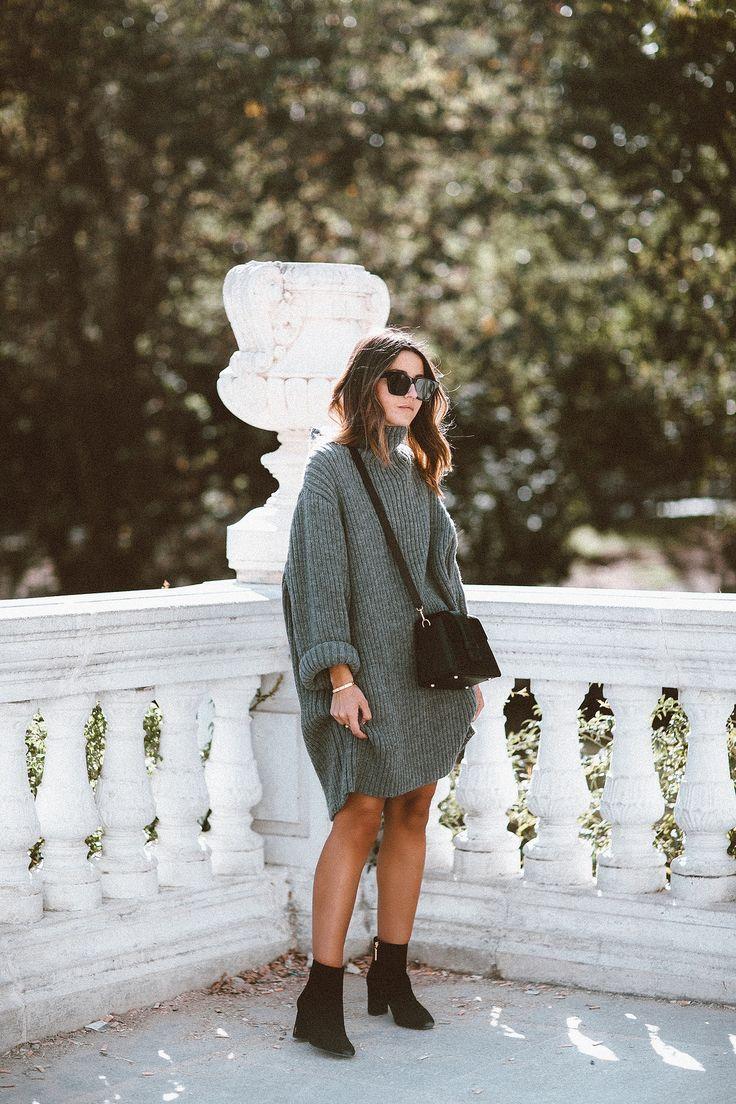 MADRID. Grey oversized turtleneck sweater-dress+black boots+black crossbody bag+black sunglasses. Fall Casual Outfit 2017