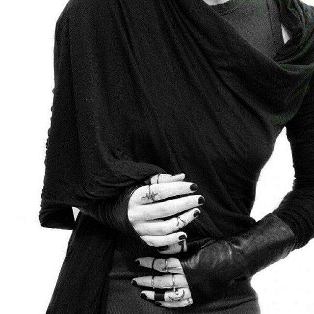 Dark Mori & Strega Fashion : Photo