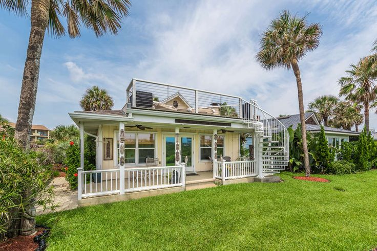 SURF CREST TURNKEY HOME Welcome to the Kanikapila Hut - the best kept secret in St Augustine Beach. Kanikapila is a style of Hawaiian music created in an impromptu jam session by anyone in attendance & the Hut welcomes music lovers, free spirits, beach walkers & surfers to write their own song & season it with saltwater & sea breeze. Perched on a sand dune with swaying sea oats, there's nothing between you & the ocean except fresh air. Stress vanishes away & you'll forget you owned shoes…
