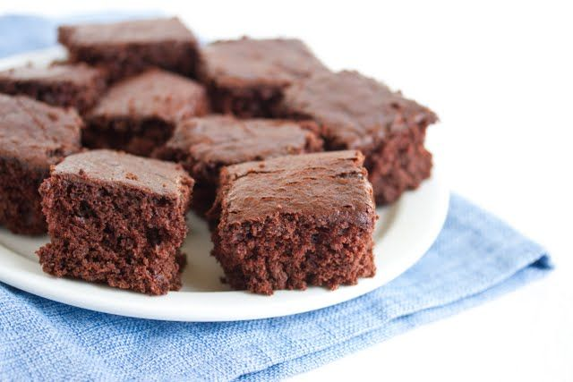 2 Ingredient Chocolate Coke Cake: Mix Cola with chocolate cake mix, and you get this very fluffy and fudgy chocolate cake