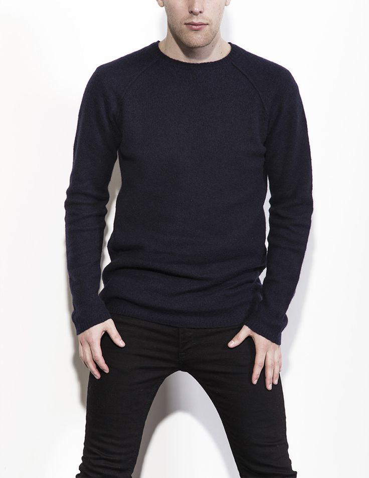 RVLT - men's fashion. A soft knitted crew with a fit inspired by a true RVLT classic.