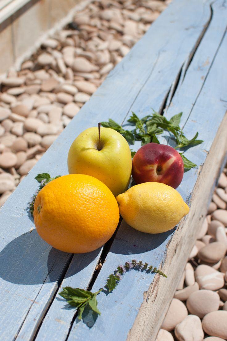 sangria blanca #frutas. Descrubre la #receta de @amelielelarge de #sangria #blanca para los calurosos días de #verano #DesarrolloPeregrino #Blog #Viajes