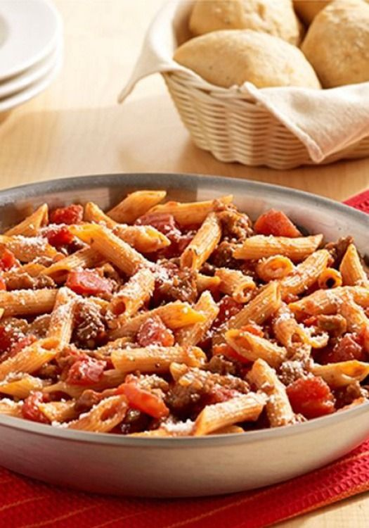 This easy One-Skillet Italian Sausage Pasta recipe requires just 5 ingredients and takes only 30 minutes to make.