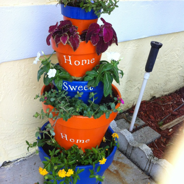 Diy Stacked Herb Garden: 22 Best Images About Stacking Planters On Pinterest