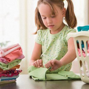 Chore list for children and a weekly cleaning check list!