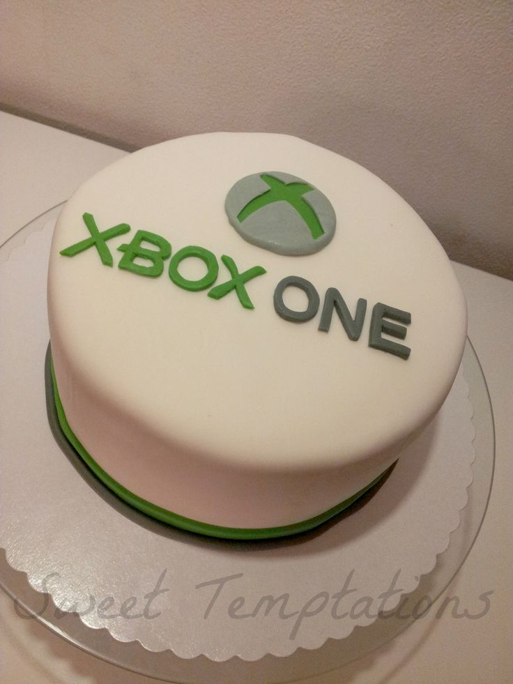 XBOX ONE - Cake for the release date of the XBOX ONE. Cake is filled with vanillasponge and coconutcream!
