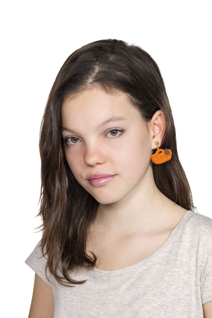 #earrings and #accessories by #lanemondial #filatilanemondial #yarns #spring #summer 2016 #orange #baggy #bag #girls and #children - all details in magazine n.27