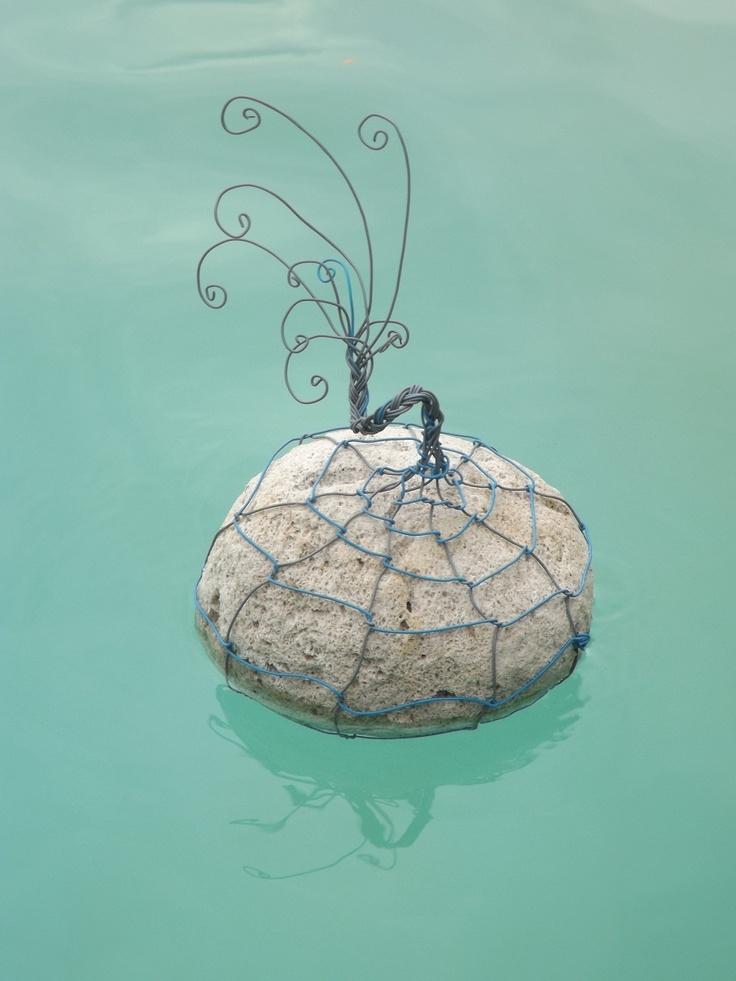 Single pumice stone & wire gabion