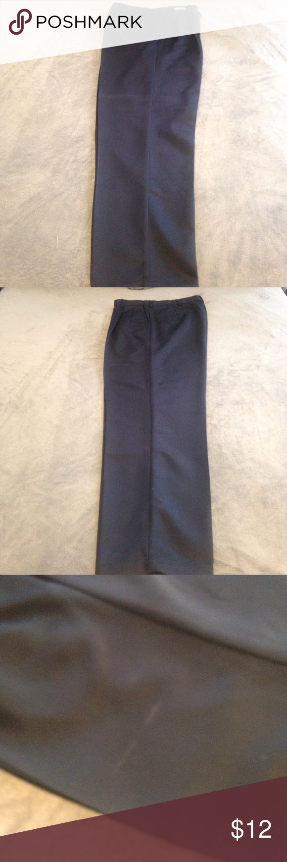 Men's Savane dress pants 34 x 32 just dry cleaned I have for sale a pair of men's navy dress pants in size 34w 32l, barely worn and just dry cleaned. Minor imperfection below the left pocket barely noticeable. Savane Pants Dress