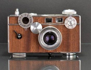 Οι παλιές φωτογραφικές μηχανές αποτελούν πλέον συλλεκτικά κομμάτια για τους νοσταλγούς. Οι κάμερες Ilott vintage rangefinder είναι παλιές, πλήρως λειτουργικές και με ξύλινη επικάλυψη που τις κάνει να ξεχωρίζουν. Τα μοντέλα που διατίθενται είναι κλασικά,