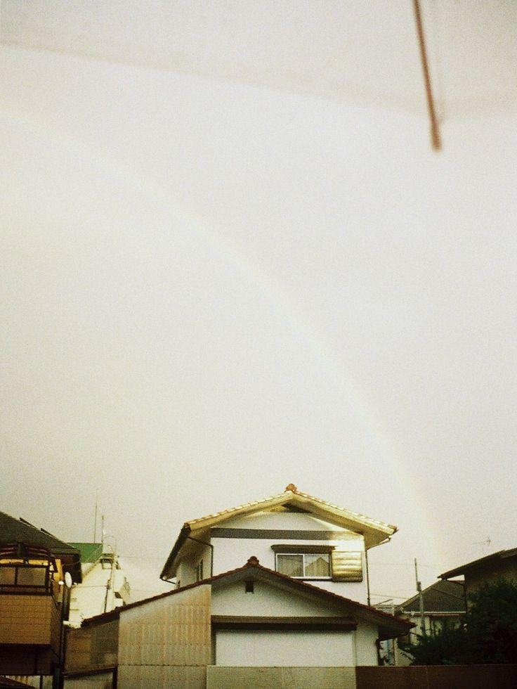 虹の麓に、君がいたりしないかな。しないだろうな。