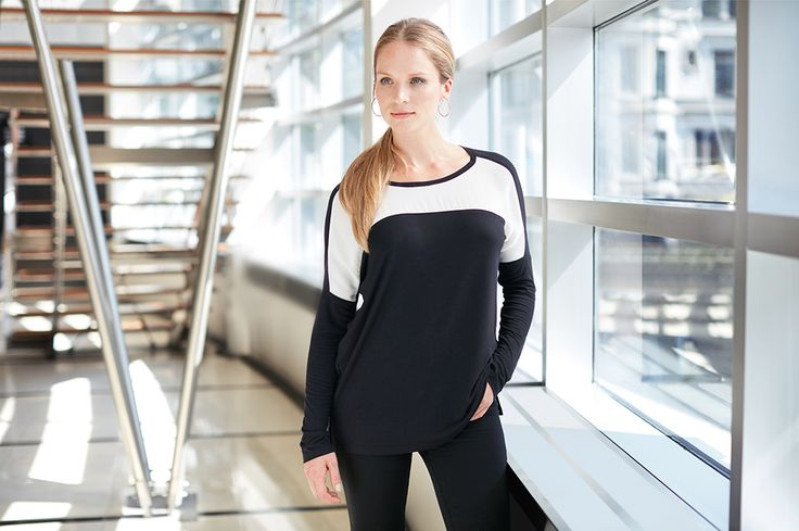 Colorblock top by #rekuccicollection #colorblock #top #comfy #cozy #fashion #style #onlineshopping #hoops #ponytail