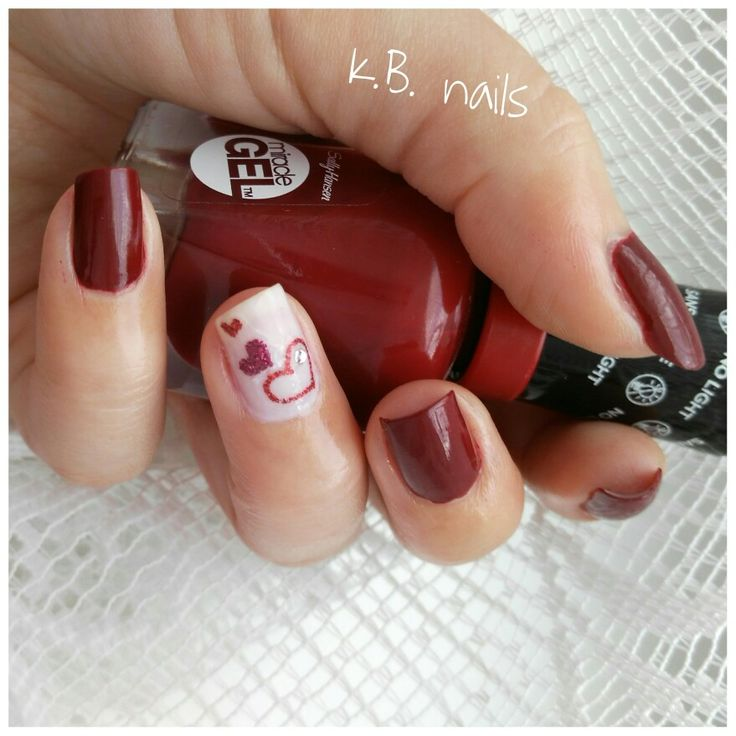Nails / Sally Hansen Dig fig / Sephora French pink / hearts