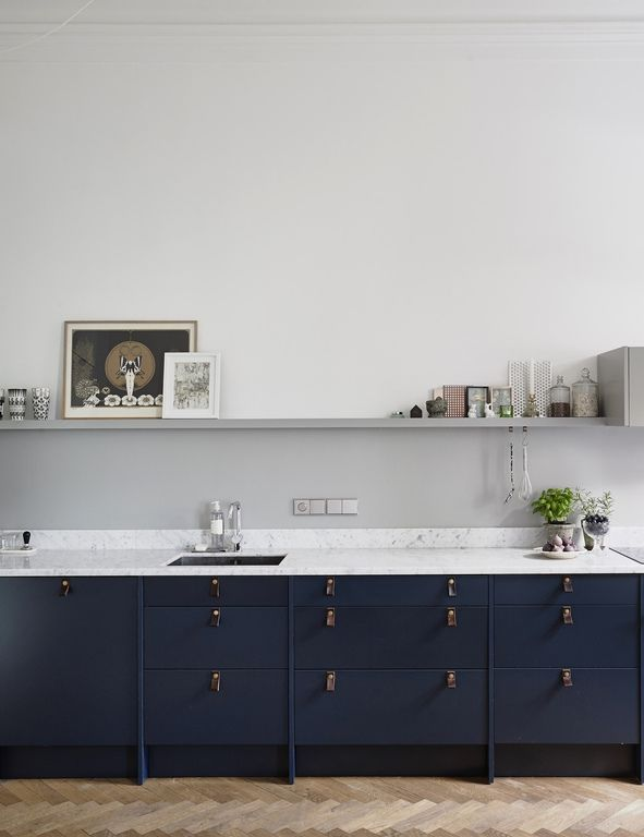 Kitchen in blue and green - via cocolapinedesign.com... barefootstyling.com