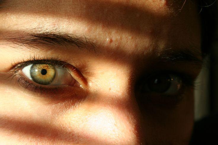 EyeColour: Green Eye Colour: a rare human eye colour. Exstensive info on green eyes, so cool!