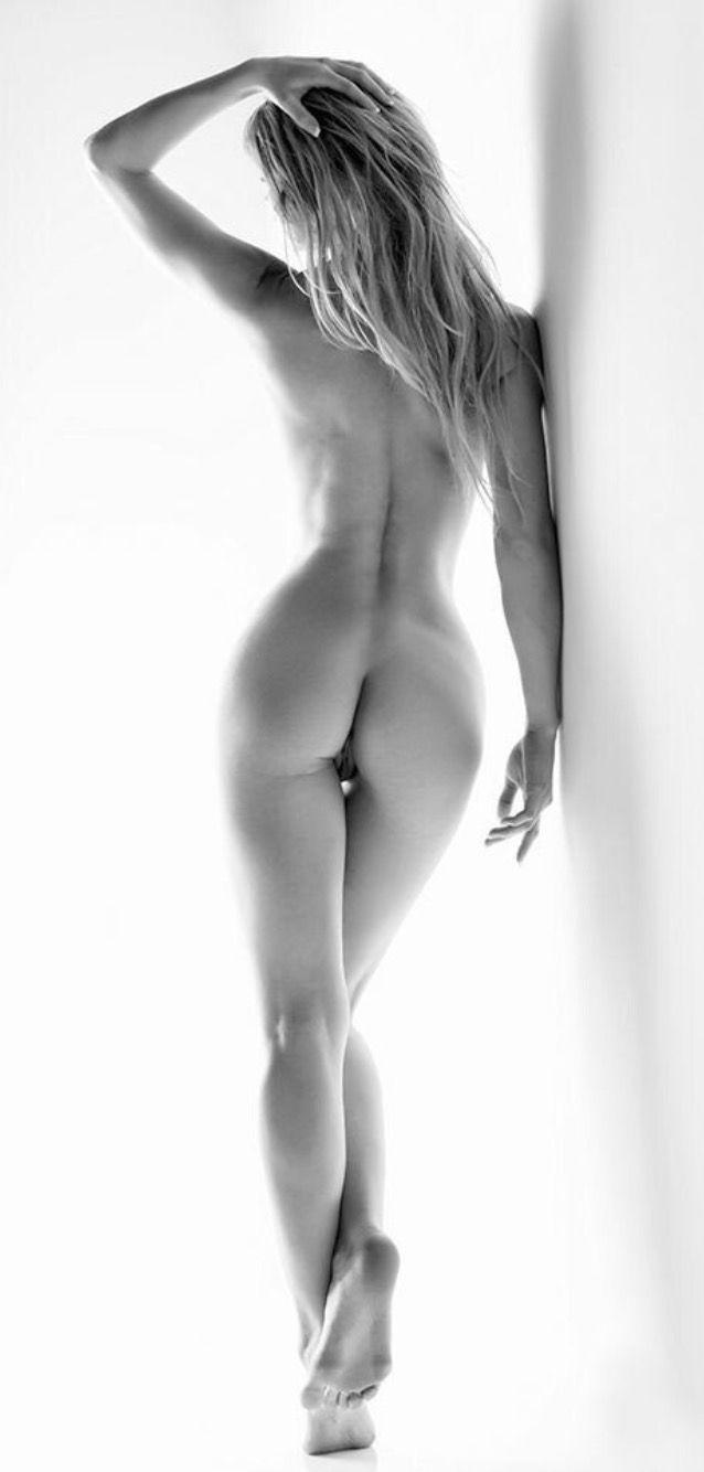 With Beautiful nude ass art pose