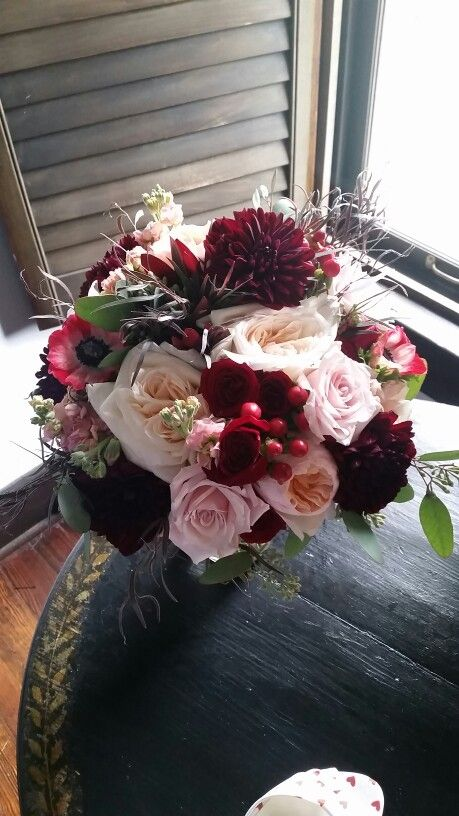 Blush and burgundy bouquet of garden roses, roses, spray ...