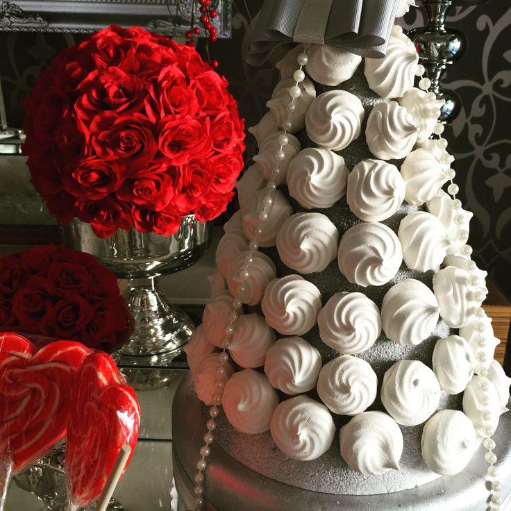ÇAĞLA & LÜTFÜ NİŞAN #nişan #nişantepsisi#yüzükyükseltisi#chocolate #çikolata #candy #candybar #candybuffet #candycorner #wedding #weddingcake #weddinggift #enagagement#engaged#ringholder#events#ebayevents #şekermasası #konseptmasa #şekerköşesi #söz#nişanmasası#paperwall #paperflower #paperbackdrop #paperwallbackdrop