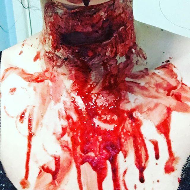 """The first cut is always the deepest"" 🔪sfxmakeupartistinthemaking #sfxmakeup #sfxmakeupartist #blood #gore #allthegore"