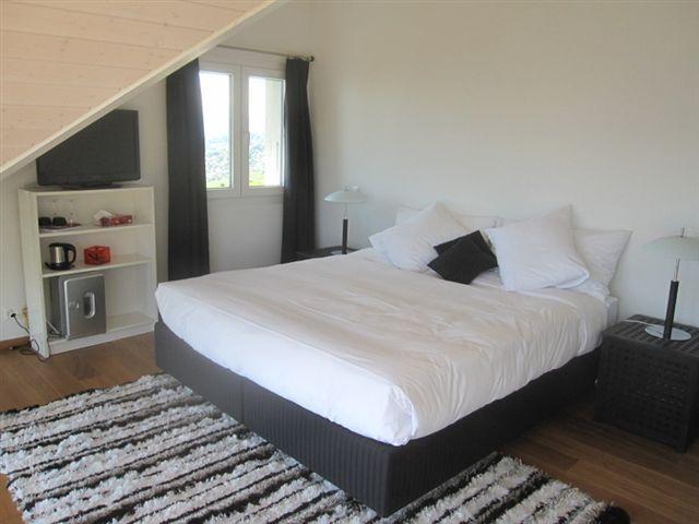 Villa Lavaux b&b vous souhaite la bienvenue dans ses chambres d'hôtes en Suisse.